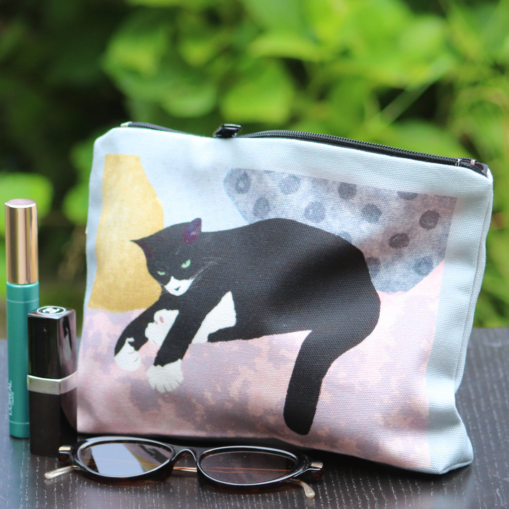 Makeup / Personal Bag: resting cat pink/grey