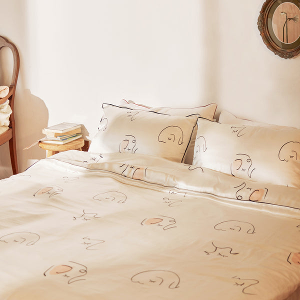 Face Line Art Printed Silk Bedding 4-Piece Set - Not Just Pajama