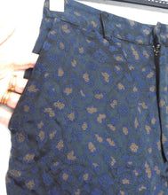 Load image into Gallery viewer, Gorman cropped pants, black with floral woven surface, sz. 8, exc. cnd.