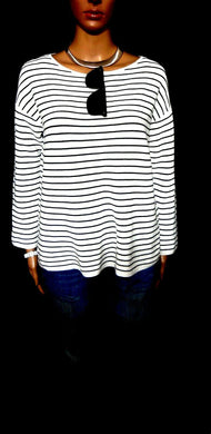Uniqlo knit top, boxy and cool, white/black striped & textured, sz.12-14/M NWOT