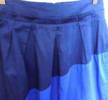 Load image into Gallery viewer, Veronika Maine Midi skirt, dark blue 2 tone, pleated, sz. 8, NWOT