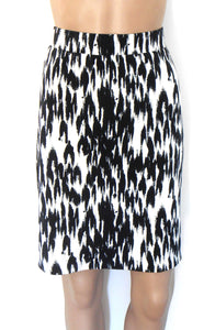 Review stretch skirt, black & white, sz.10-12/S, for all seasons, near new