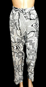 Howard Showers pleat pants with pockets, tapered style, sz. 12-14, NWOT