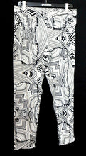 Load image into Gallery viewer, Howard Showers pleat pants with pockets, tapered style, sz. 12-14, NWOT
