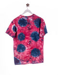 Batik Dogwood Acres Campground Print T-Shirt Rosa