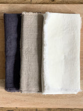 Load image into Gallery viewer, Fringe Edge Linen Napkins