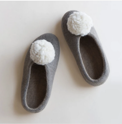 Pom Pom Slippers Gray