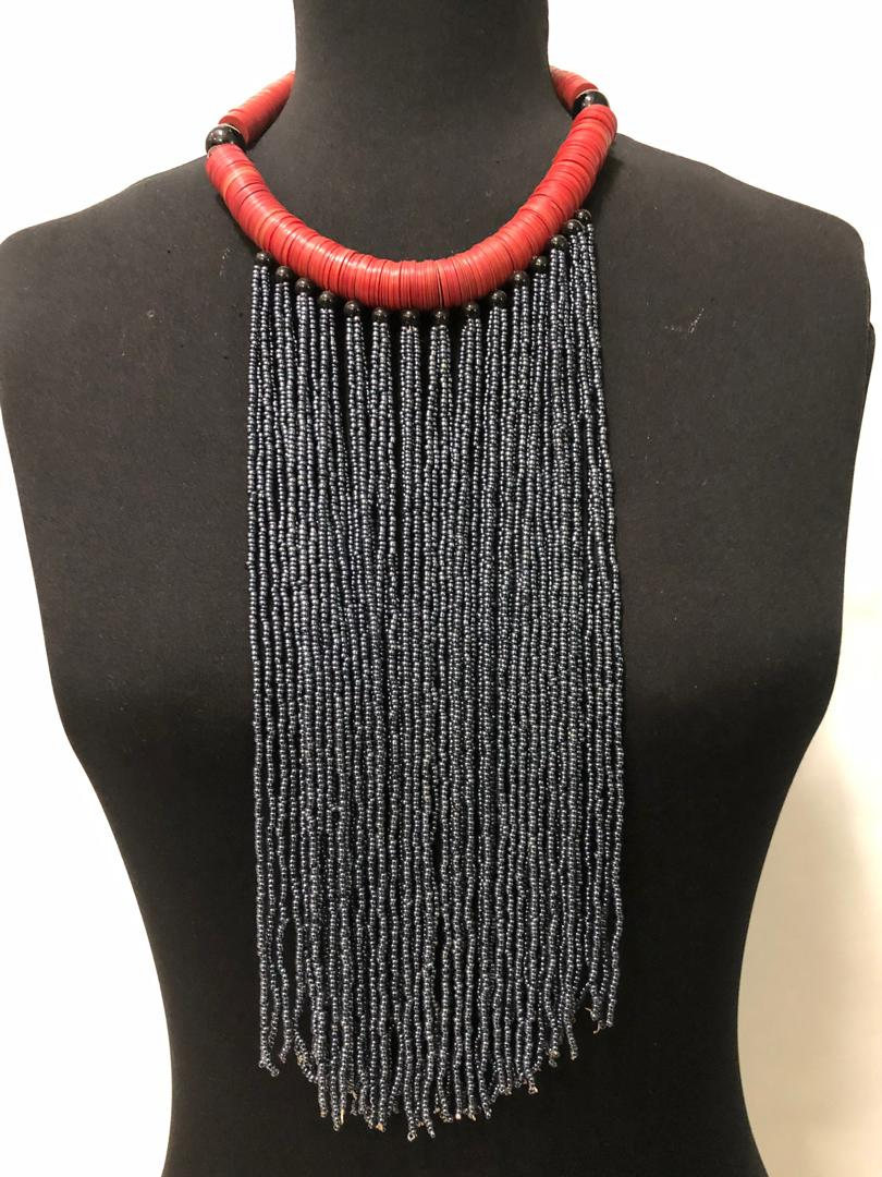 Disc Neck Bead Necklace