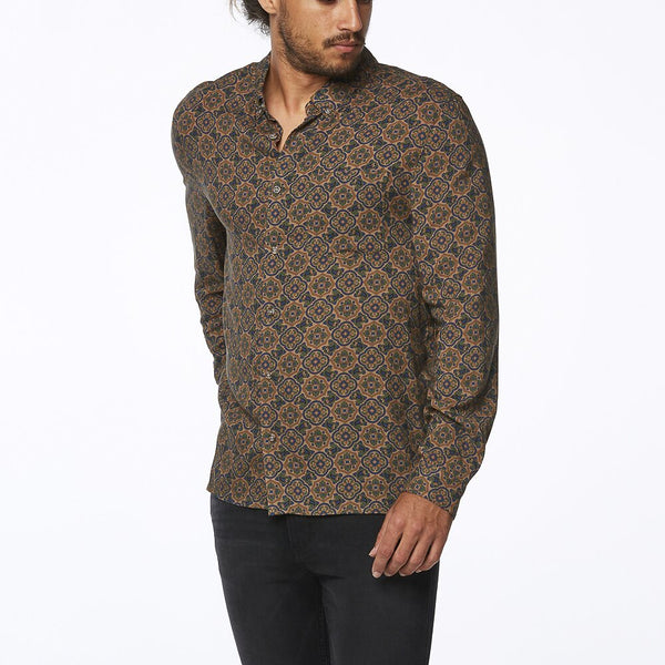 Wrangler Last Drinks Shirt - Medallion Print