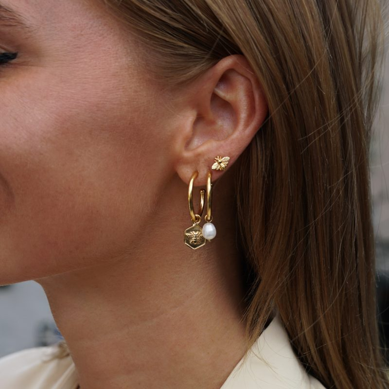 Eline Rosina Freshwater Pearl Hoop Earrings in Gold
