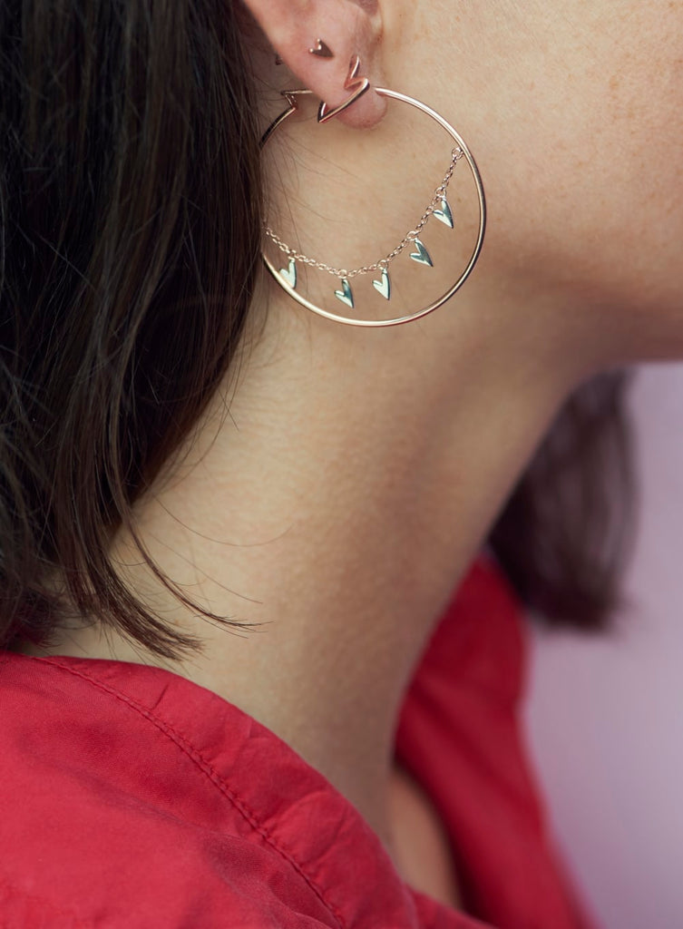 Tada & Toy Basic Sweetheart Hoop Earrings in Silver