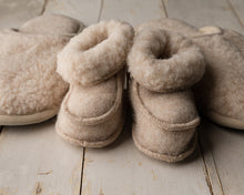 Load image into Gallery viewer, Merino Wool Baby Slippers 13cm