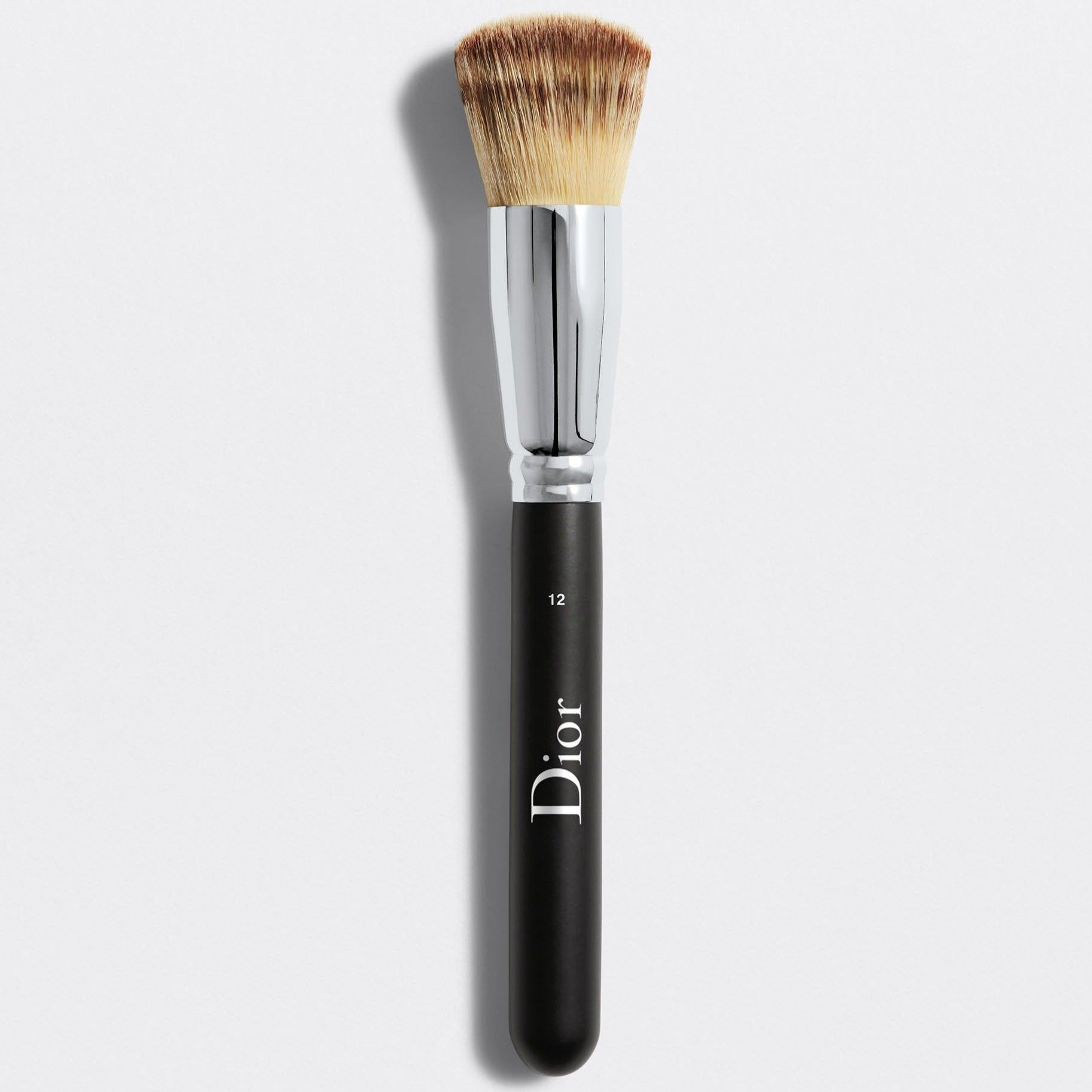 DIOR BACKSTAGE FULL COVERAGE FLUID FOUNDATION BRUSH N° 12 | Dior backstage full coverage fluid foundation brush n°12