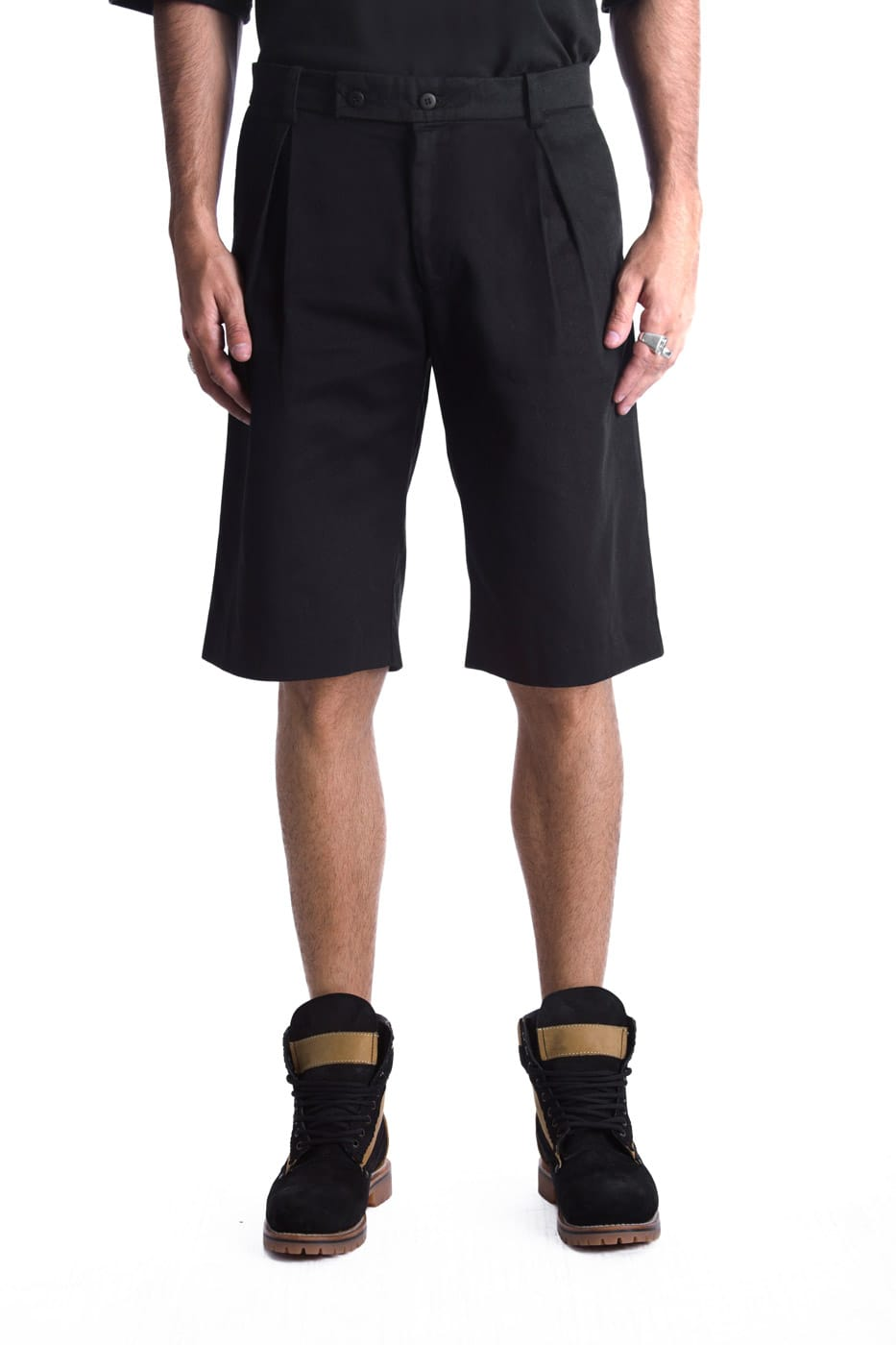 BLACK BAGGY SHORTS