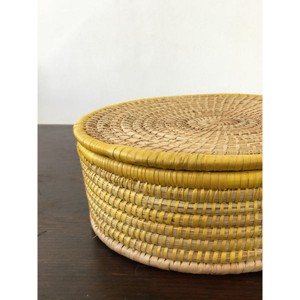 Woven box with lid
