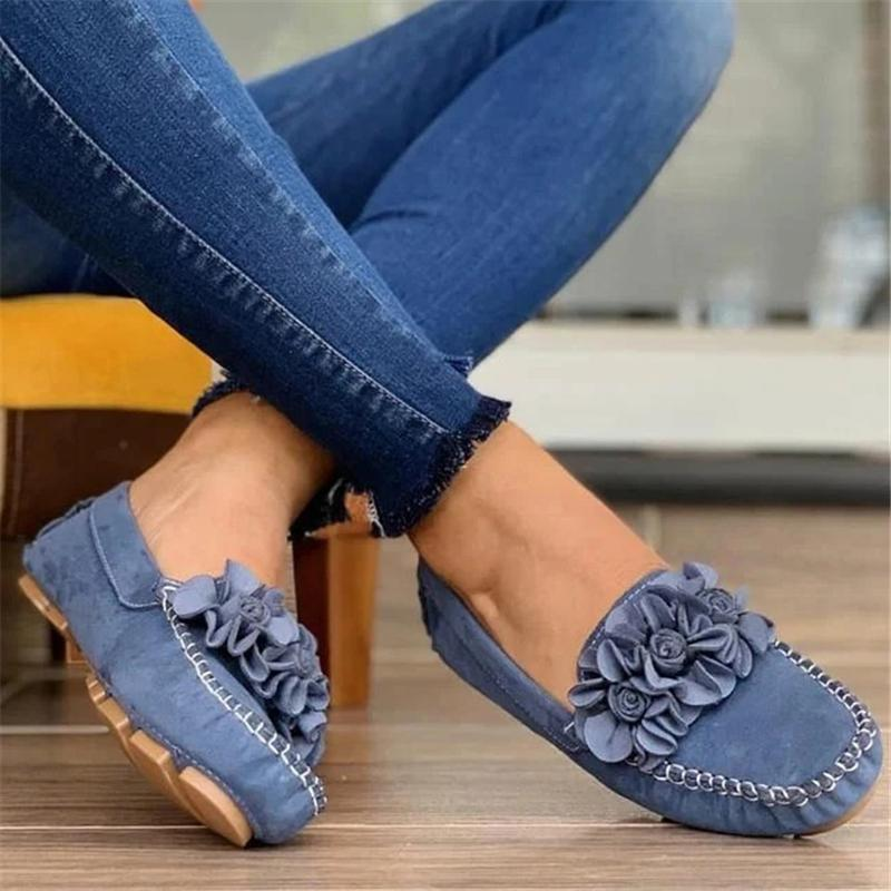 Women's Pretty Suede Flowers Square Toes Flat Loafer
