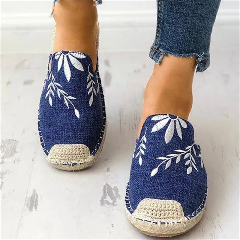 Retro Floral Embroidered Canvas Slip-On Flats Slipper