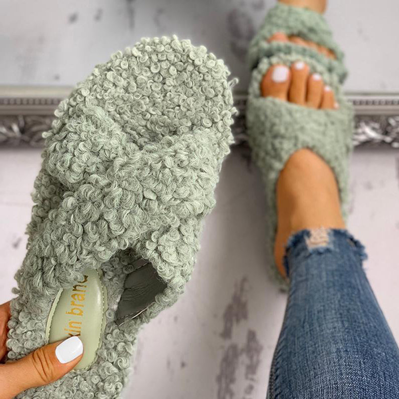 Comfortable Solid Fluffy Crisscross Design Flat Suede Sandals