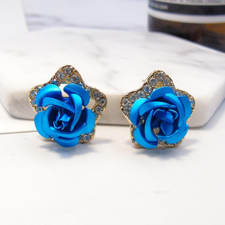 Beautiful Rose Flower Shaped Earring Studs For Women