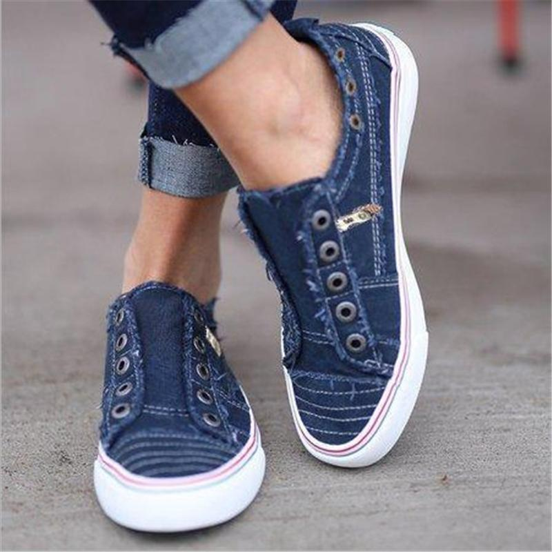 Round Hole Zipper Canvas Flat Shoes