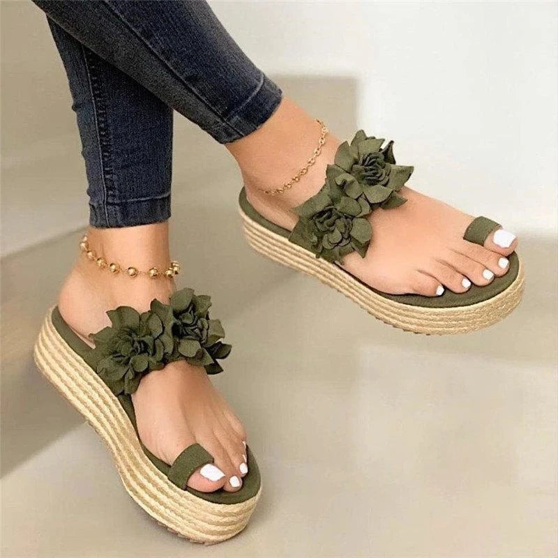Women's Beautiful Flower Slip On Platform Sandals
