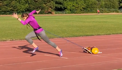 Athlete with long stretched arms for acceleration drills