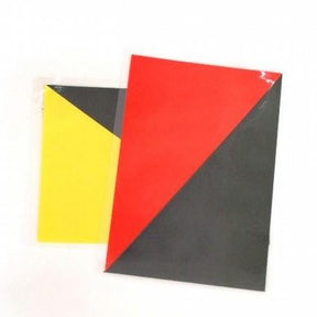 Set of two laminated cards in red/black and yellow/black for marksmen and starters