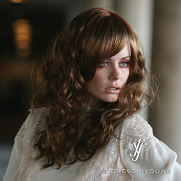 FOREVER YOUNG ROLL WITH IT SYNTHETIC WIG