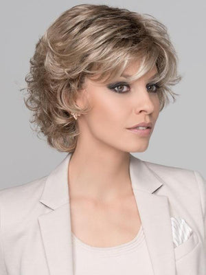 Ellen Wille | Hair Power | Daily in Champagne Rooted