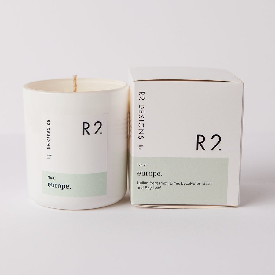 R2 Europe candle with box