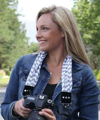 CAPTURING COUTURE SCARF STRAP CHEVRON GREY