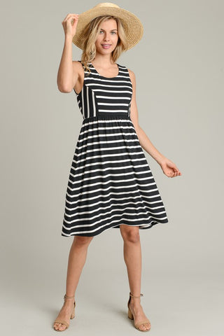 Simple Stripes Sleeveless Dress - Black