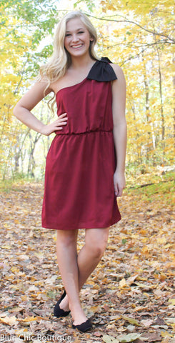 Top it off with a Bow One Shouldered Dress - Maroon and Black - Blue Chic Boutique  - 2