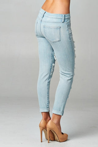 Light Wash Distressed Jeans - Blue Chic Boutique  - 4