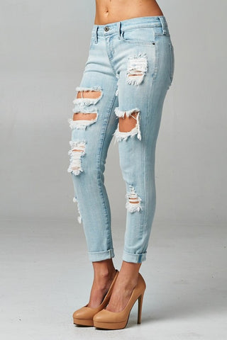 Light Wash Distressed Jeans - Blue Chic Boutique  - 3