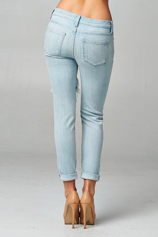 Light Wash Distressed Jeans - Blue Chic Boutique  - 2