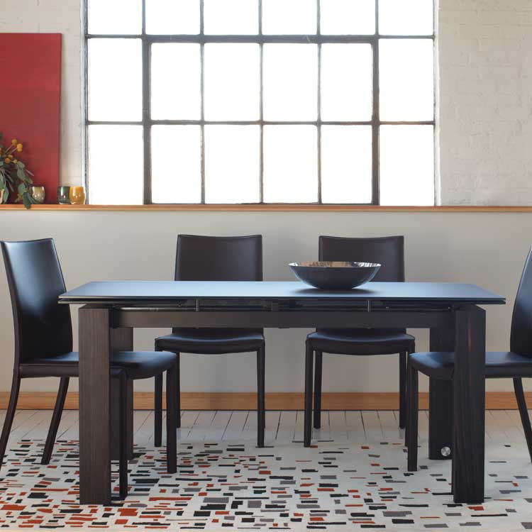 Modern, affordable glass extending dining table - Modern furniture Bellevue