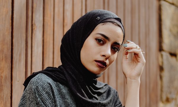 Oily Skin Breakouts Plant Based Face Oils Woman In Hijab