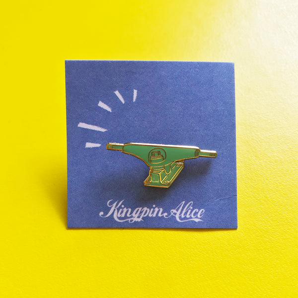 Skate Trucks Pin –– Kingpin Alice