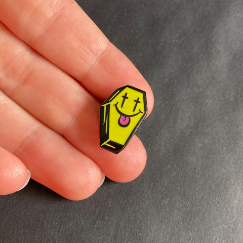 Coffin Pin –– Pinbadg.es X Tony Riff