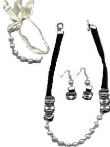 Ribbons and Pearls Jewelry Set