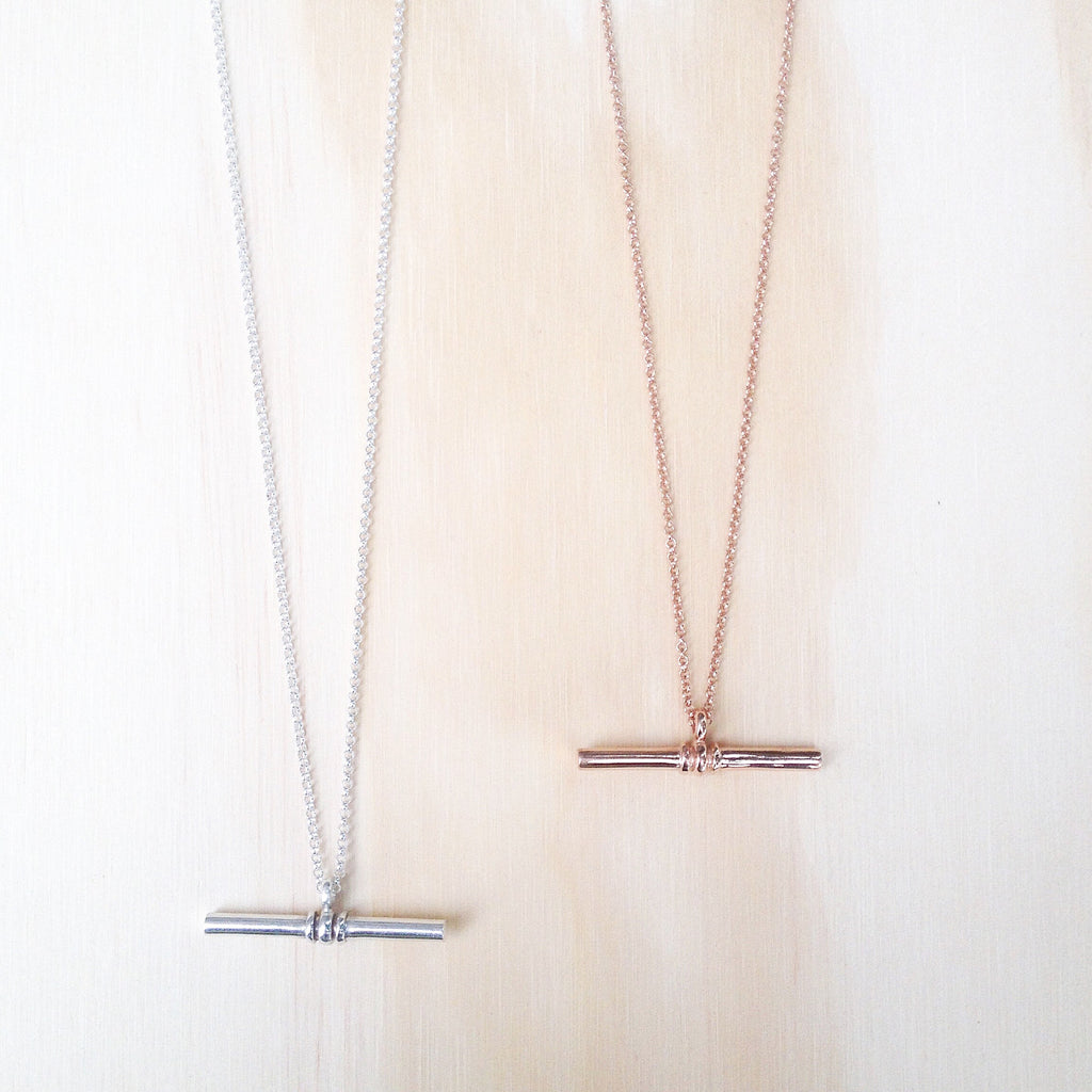 T Bar Necklace 9k