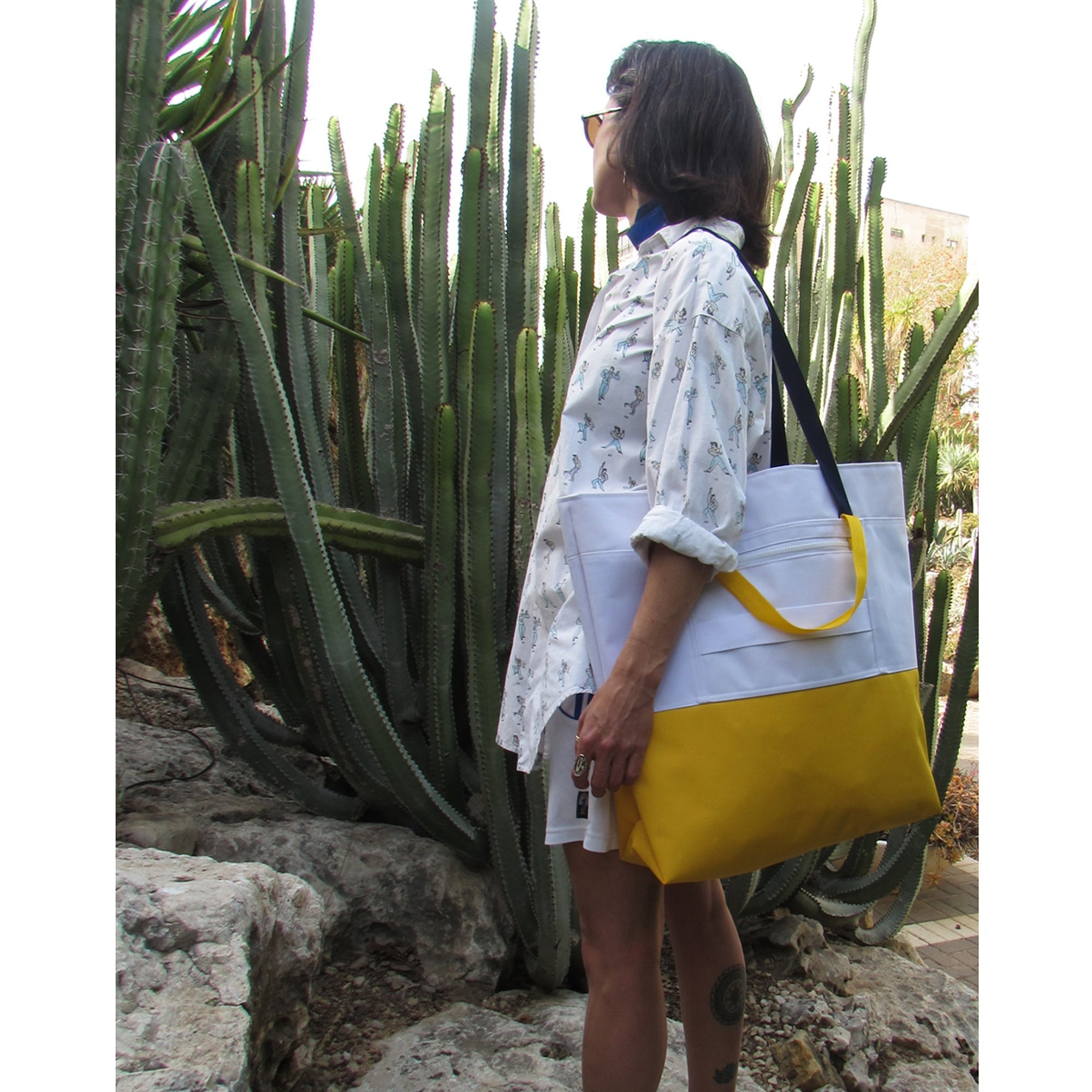 Cube Enlarged Shopper White / Yellow