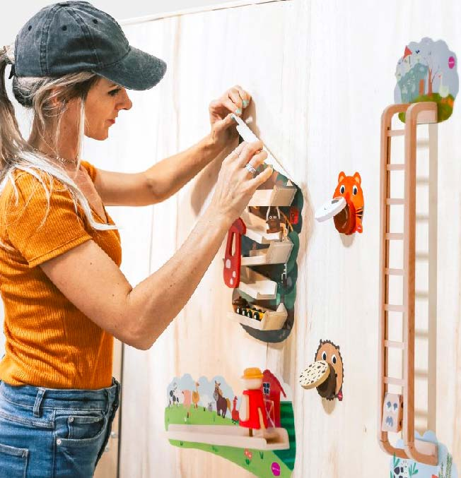 Vertiplay Wall Toys - Busy Woodpecker