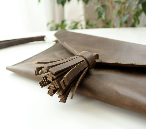 Leather clutch bags Olive - Anger Refuge