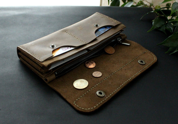 Large women's wallet Olive - Anger Refuge