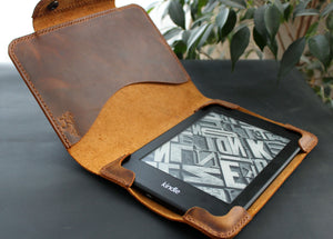 Kindle Paperwhite case Rust Brown - Anger Refuge