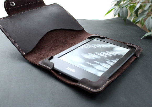 Kindle Paperwhite case Coffee Brown - Anger Refuge