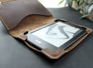 Kindle Paperwhite case Olive - Anger Refuge