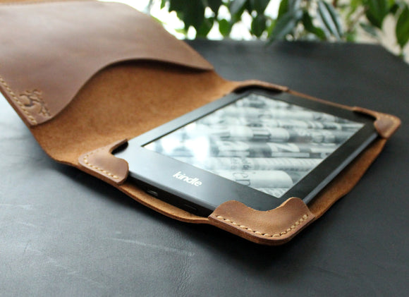 Kindle Paperwhite case Brown - Anger Refuge